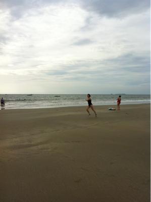 広くて、静かで、砂やさしく、